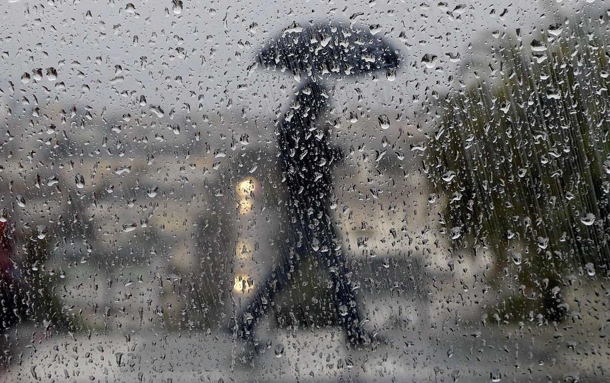 rain-generic-umbrella-raindrops.jpg
