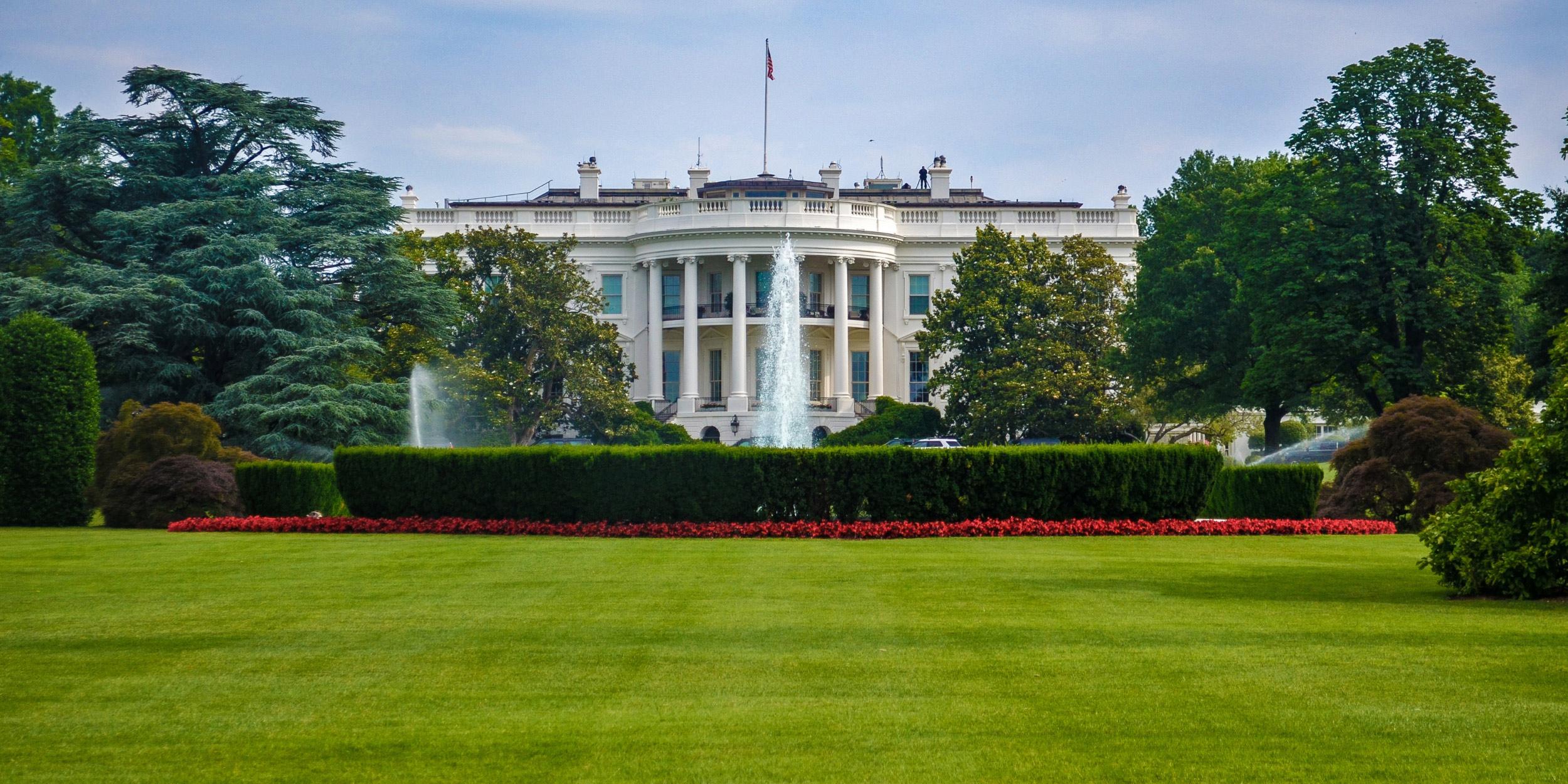 백악관=white_house_grounds.jpg