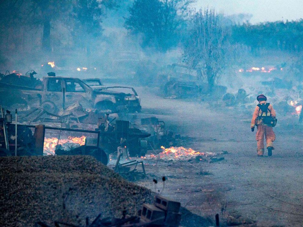 wildfire-4-gty-er-191027_hpMain_4x3_992.jpg