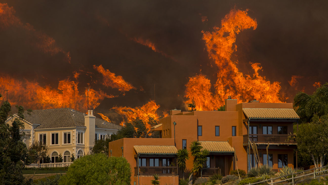 malibu_-california-woolsey_fire-getty-h_2018.jpg