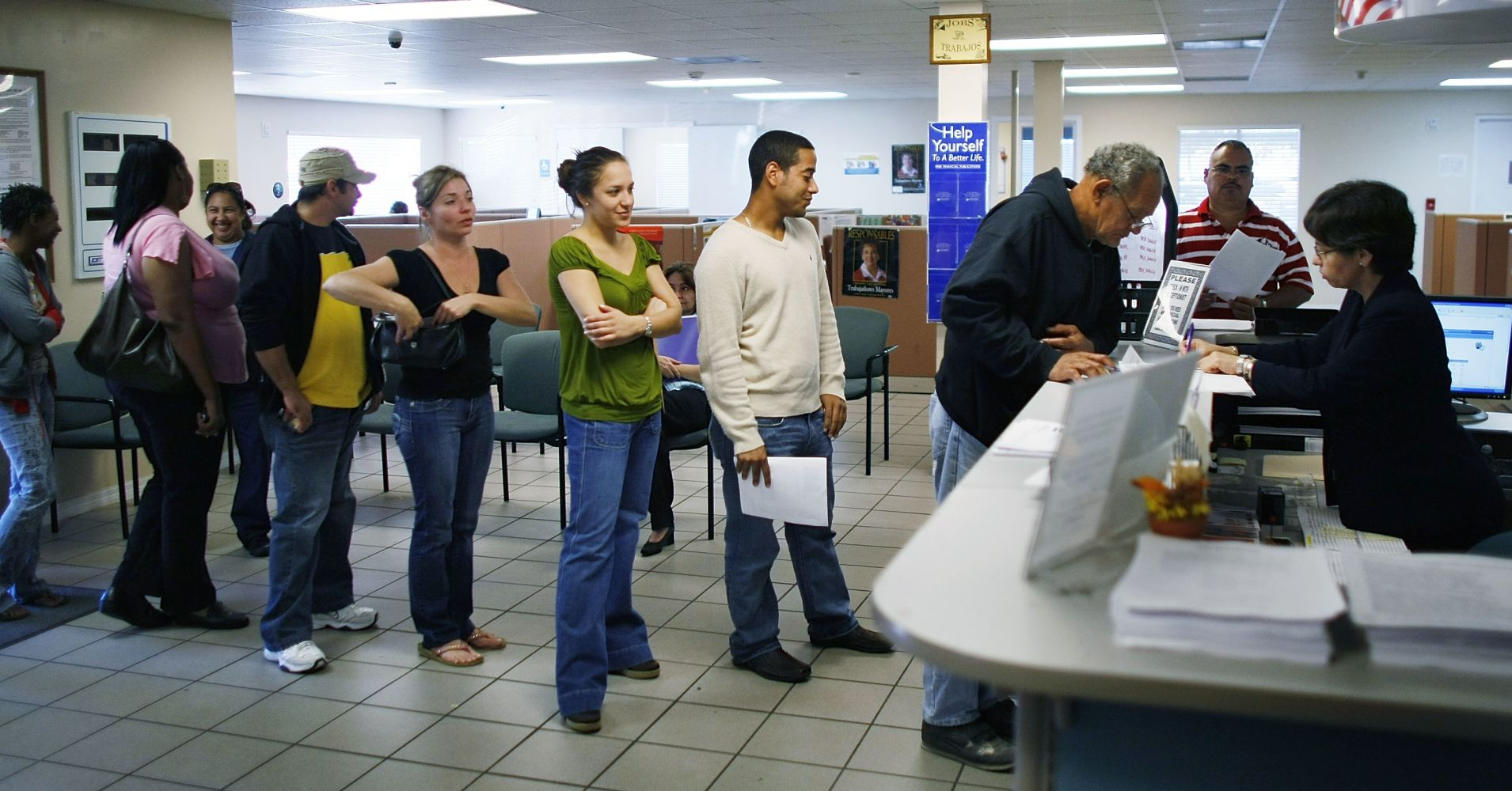 us-weekly-jobless-claims-rose-more-than-expected-last-week.jpg